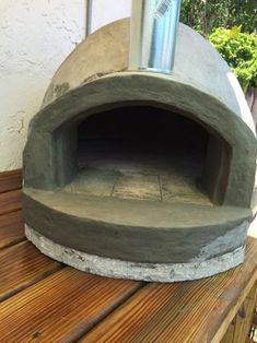 I had been wanting a pizza oven of my own for some time. I currently rent and cringe at the thought of building something and leaving it behind. Best Outdoor Pizza Oven, Build A Pizza Oven, Diy Pizza Oven, Outdoor Oven, Wood Burning Oven, Wood Fired Oven, Wood Fired Pizza, Wood Oven, Pizza Oven Fireplace