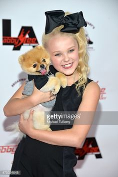 jojo swia | Dancer Jojo Siwa and Jiff Pom the dog attend the Abby Lee Dance ...