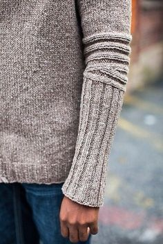 2019 Modell Ravelry: Chicane-Muster von Cookie A, Brooklyn Tweed Wool People Vol. 2019 Modell Ravelry: Chicane-Muster von Cookie A, Brooklyn Tweed Wool People Vol. Brooklyn Tweed, Ravelry, Top Mode, How To Purl Knit, Knit Patterns, Sweater Knitting Patterns, Cardigan Pattern, Knitting Ideas, Knitting Projects