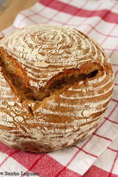 Pão integral de fermentação natural Cooking Bread, Fun Cooking, Sourdough Bread Starter, Rustic Bread, Bread Cake, Bread Recipes, Rolls, Food And Drink, Donuts