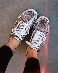 Glitter Glam: Loving Leila Hurst's Chunky Glitter Old Skools.