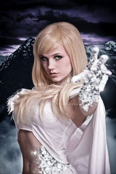 Les plus beaux cosplays de super-héroïnes Marvel - Emma Frost (Masubiii)