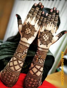 50 Most Beautiful Bridal Mehndi Design (Bridal Henna Design) that you can apply on your Beautiful Hands and Body during your Marriage. Khafif Mehndi Design, Basic Mehndi Designs, Latest Bridal Mehndi Designs, Back Hand Mehndi Designs, Henna Art Designs, Mehndi Designs 2018, Mehndi Designs For Beginners, Mehndi Designs For Girls, Mehndi Design Photos
