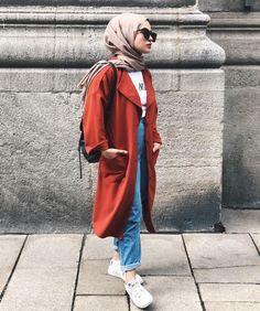 hijab winter 2019 - Source by TravelOutfitsOfficial f. hijab winter 2019 – Source by TravelOutfitsOfficial fashion hijab Islamic Fashion, Muslim Fashion, Modest Fashion, Hijab Fashion, Fashion Outfits, Casual Hijab Outfit, Hijab Chic, Modest Wear, Modest Outfits