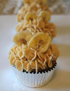 Banana Cupcakes with Peanut Butter Frosting! - Joybx