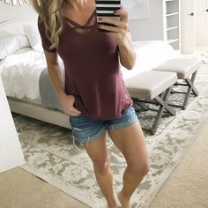 Outfit inspiration - criss cross tee and jean shorts