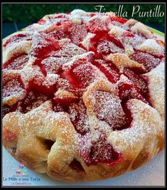 TORTA SOFFICE LIGHT ALLE FRAGOLE Sweet Recipes, Cake Recipes, Dessert Recipes, Torta Angel, Low Calorie Baking, Fresh Fruit Cake, Fruit Cakes, Confort Food, Light Cakes