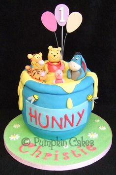 Winnie the Pooh and Friends Winnie The Pooh Themes, Winnie The Pooh Cake, Winnie The Pooh Birthday, Fancy Cakes, Cute Cakes, Fondant Cakes, Cupcake Cakes, Twins 1st Birthdays, Sculpted Cakes