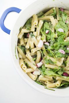 Creamy Vegetable Ziti Pasta is a tasty comfort meal recipe that includes lettuce and radishes! Get ready for a creamy pasta meal full of vegetables! Easy Pasta Recipes, Side Dish Recipes, Dinner Dishes, Pasta Dishes, Vegetarian Recipes, Healthy Recipes, Healthy Food, Yummy Food, Tasty