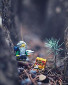 Lego Photography – The Art of Building - Modern Lego Humor, Miniature Photography, Lego Photography, Lego Design, Legos, Lego Boxes, Lego Sculptures, Lego Pictures, Amazing Lego Creations
