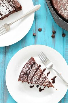 12. Flourless Chocolate Cake #healthy #chocolate #dessert #recipes http://greatist.com/eat/healthy-chocolate-recipes-that-prove-store-bought-sweets-are-overrated