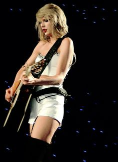 "Taylor Swift performing ""Wonderland"" - 1989 World Tour - Bossier City, Louisiana."