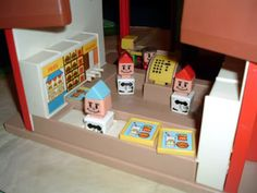 McDonalds playset loved how they carried the trays under their chins