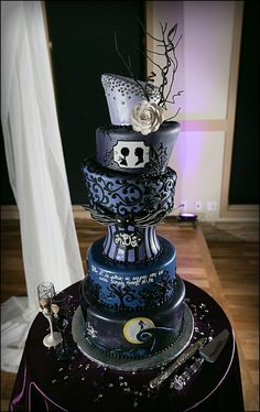 Nightmare before Christmas cake is suitable for those who have a birthday at the Halloween. Description from phoenixfreeze.com. I searched for this on bing.com/images