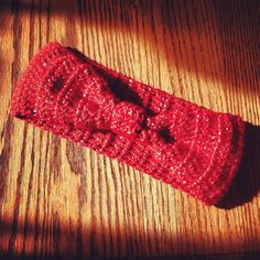 Crochet Bow Headband by AllisonsWonderlandCo on Etsy ($11)