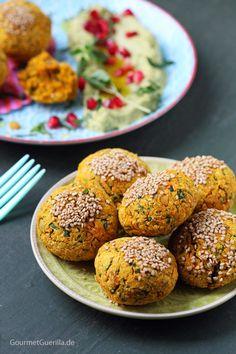 Süßkartoffel-Falafeln mit Avocado-Hummus