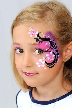 Kinderschminken bei der preisgekrönten Facepainterin und Instruktorin. Farbenverkauf: eine exklusive Auswahl professioneller Schminkfarben und Zubehör. Kurse!!!