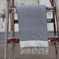 Plaid en laine à franges Etawah 140x200cm Nkuku - crème navy