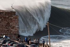 Largest Tsunami Ever Photographed | Hat Garrett McNamara die 100ft Welle gesurft?