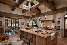 French country kitchen designs photo gallery interior trends as for classic white kitchen design rustic kitchen Country Style Kitchen, Rustic Kitchen Design, Country Kitchen Decor, French Country Kitchen, Country Chic Kitchen, Kitchen Interior, Country Kitchen Designs, Kitchen Remodel, Mediterranean Kitchen