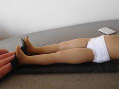 Le collant de poupée, le tuto adaptable à toutes les poupées. – LesCouturesdeMagdaTutosetPatrons Doll Clothes Patterns, Doll Patterns, Clothing Patterns, Poupées Our Generation, Wellie Wishers, Couture Sewing, Waldorf Dolls, Diy Projects To Try, Kids Toys