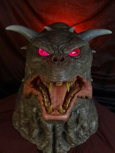 TERROR DOG GHOSTBUSTERS 1:1 BUST ZUUL LIGHT UP L.E.D. EYES DEMETER CREATIONS