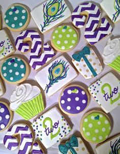 Peacock themed cookie set