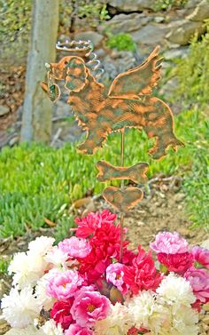 Golden retriever metal garden art pet memorial grave marker plant stake by Garden Copper Art is a fitting tribute to honor your beloved pet. Created in fine artisan detail this adorable angel dog in standing position features a halo suspended overhead, angel wings, and is accented