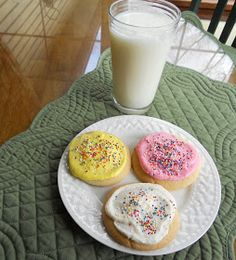 Sugar Cookies with Butter Cream Frosting (Cheryl's copycat recipe)