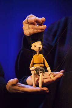 Jabberwocky | Little Angel Theatre | Photo Credit: Ellie Kurttz #puppets #puppetry