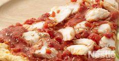 tarta de bacalao con asadillos de pimientos rojos