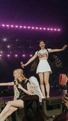 Yg Entertainment, South Korean Girls, Korean Girl Groups, Blackpink Wallpaper, Foto Rose, Blackpink Members, Jennie Kim Blackpink, Kim Jisoo, Blackpink Video
