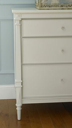Dolce Babi Bella Collection Double Dresser Detail Shown With Gl S Snow