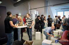 """Lang ersehnter Startschuss für das BarCamp Graz 2015. Die FH Joanneum in Graz als Gaststätte (Heimstätte, damit es keine Irrtümer gibt) für offenen Wissensaustausch auf Augenhöhe. Spontane Sessions für den Auftakt der diesjährigen Ad-Hoc-Unkonferenz. Im Politcamp ging es aktuell um Social Media und Politik am Beispiel Michael Häupls und seinem """"22 Stunden-Sager"""".  #Startschuss """"#BarCamp #Graz #2015"""" """"#FH #Joanneum"""" #Gaststätte #Heimstätte #Irrtümer """"#offener #Wissensaustausch #auf…"""