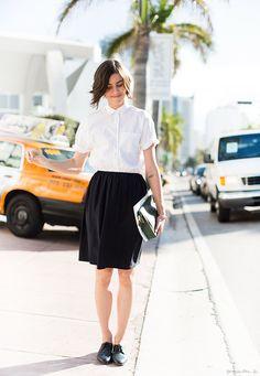 Miami, black knee-length skirt, white button-down t-shirt, brogues / Garance Doré
