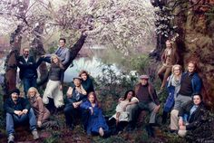 The Veterans of Shakespeare in the Park, a. Jesse L. Martin, James Earl Jones, Meryl Streep and Oliver Platt -Vanity Fair Large Group Posing, Large Group Photos, Large Family Portraits, Group Poses, Group Pictures, Family Posing, Posing Families, Group Shots, Big Family