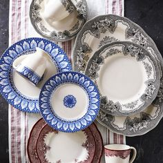 Heirloom Dinnerware Collection, Royal Acanthus