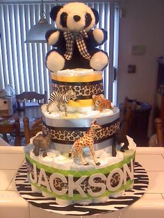 Safari Diaper Cake, i could make this for my sisters baby shower Baby Shower Diapers, Baby Boy Shower, Baby Shower Gifts, Baby Gifts, Baby Showers, Safari Diaper Cakes, Diy Diaper Cake, Dipper Cakes, Baby Shower Gender Reveal