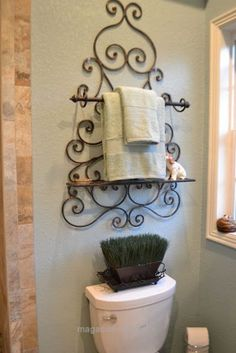 If you are having difficulty making a decision about a home decorating theme, tuscan style is a great home decorating idea. Many homeowners are attracted to the tuscan style because it combines sub… Home Decor Accessories, Decorative Accessories, Home Accessories, Wrought Iron Decor, Cheap Home Decor, Tuscan Decorating, Home Diy, Tuscan Bathroom, Iron Decor