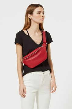 Take convenience to the next level. Crafted from luxe pebbled leather, the Bree Belt Bag keeps up with your on-the-go lifestyle with a roomy pouch you can access from the top zip. Womens Fashion Online, Latest Fashion For Women, Waist Purse, Trendy Swimwear, Bum Bag, Summer Bags, Belt Bags, Rebecca Minkoff, Fashion Accessories