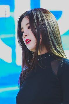 Namjoo Apink, Eunji Apink, Kpop Girl Groups, Kpop Girls, Pink Panda, Love Park, Seoul, Asian Beauty, Portrait Photography