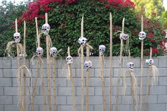 I like the idea of this...maybe doing the same thing but on spikes of a wall?... I do have a lot of dowl rods right now.