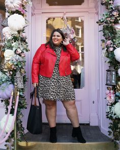 """60c82875960c5 Callie Thorpe on Instagram  """"Did you hear that  oasisfashion just launched a  curve range ! It s playful"""