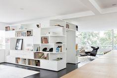 Black and white minimal apartment by Felipe Hess   Plastolux
