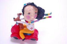 """Escultura de papel machê """"O passeio de Beatrice"""""""