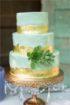 mint and gold succulent cake @weddingchicks | Samantha Laffoon Photography