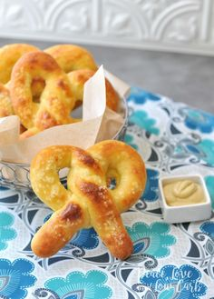 KETO SOFT PRETZELS All of the delicious chewiness of a real soft pretzel, but low carb and keto friendly. The keto soft pretzels are sure to. Best Keto Bread, Low Carb Bread, Low Carb Keto, Low Carb Recipes, Cooking Recipes, Bread Recipes, Diabetic Recipes, Atkins Recipes, Diabetic Foods