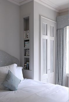 Built-in wardrobe with cubby holes