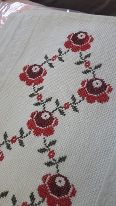 Bedroom Wardrobe, Silk Ribbon Embroidery, Filet Crochet, Kids Rugs, Decor, Cross Stitch Rose, Cross Stitch Embroidery, Joy, Diy And Crafts