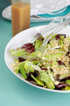 GREEN SALAD WITH TOASTED HAZELNUT DRESSING. What can you grow in your garden? #healthy #food #salads #homegrown